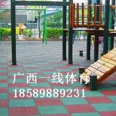 马山幼儿园地胶报价,马山橡胶地垫施工流程
