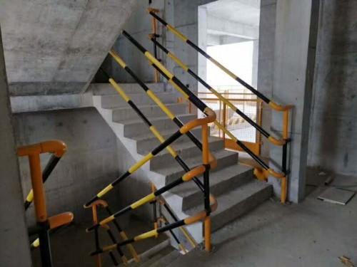 防护栏扣件楼梯扶手弯头楼梯立杆厂家