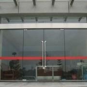 东城区设计供应钢化玻璃门