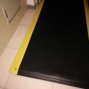 经济型防疲劳垫+铁板纹防滑脚垫+车间抗疲劳地垫品牌