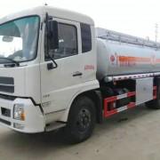 天锦11-16吨大加油车报价,4吨油罐车图片